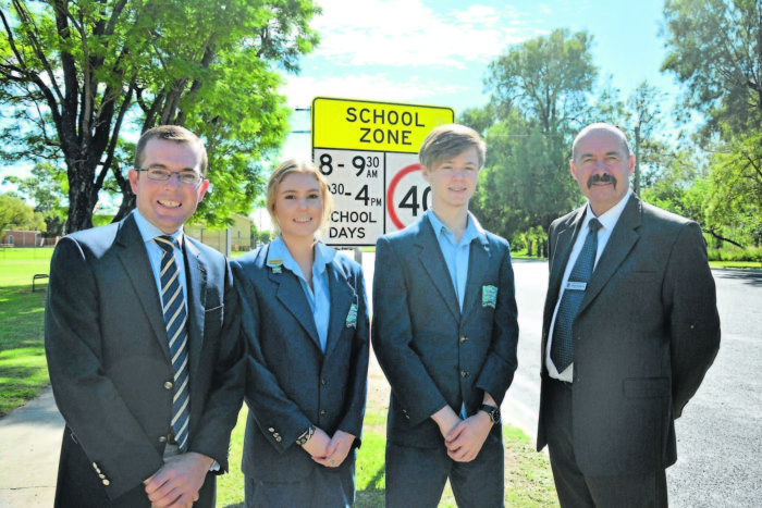 FLASHING LIGHTS ON THE WAY TO SCHOOLS IN MOREE DISTRICT