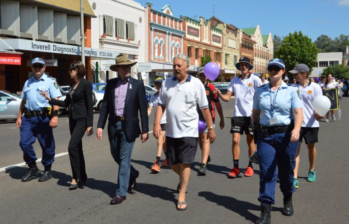 MP SUPPORTS WHITE RIBBON DAY AT INVERELL MARCH