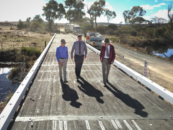 GLEN INNES BRIDGE BUILDING INNOVATION LAUDED IN PARLIAMENT