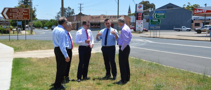 DEPUTY PREMIER GIVEN FIRST-HAND LOOK AT PROBLEM INTERSECTION