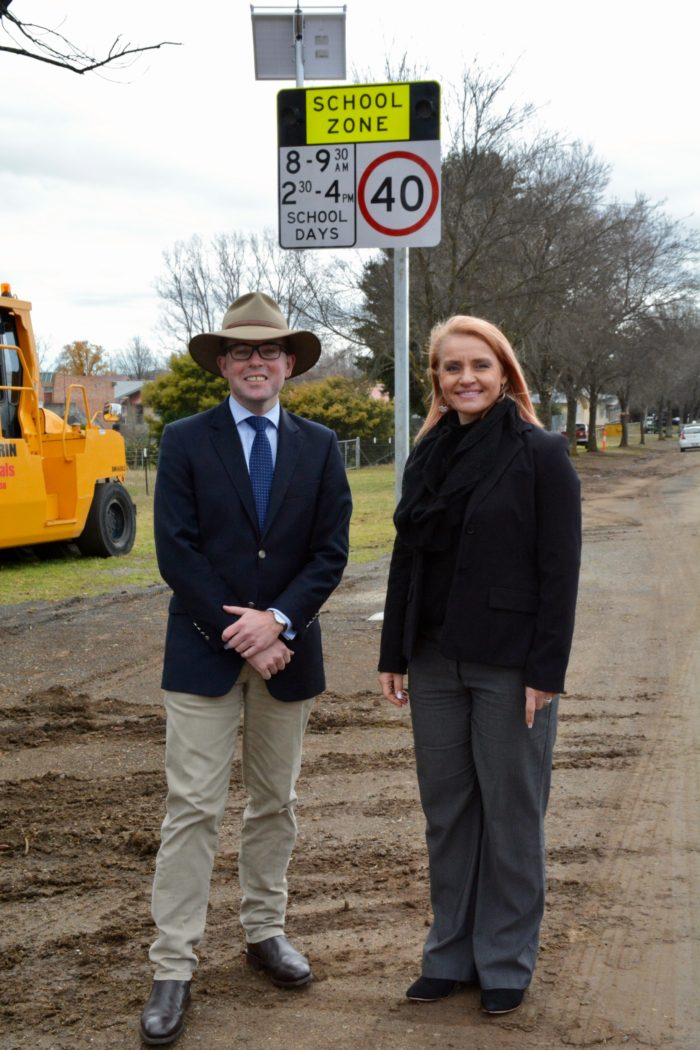 NEW FLASHING LIGHTS TO IMPROVE SAFETY FOR GLEN INNES STUDENTS