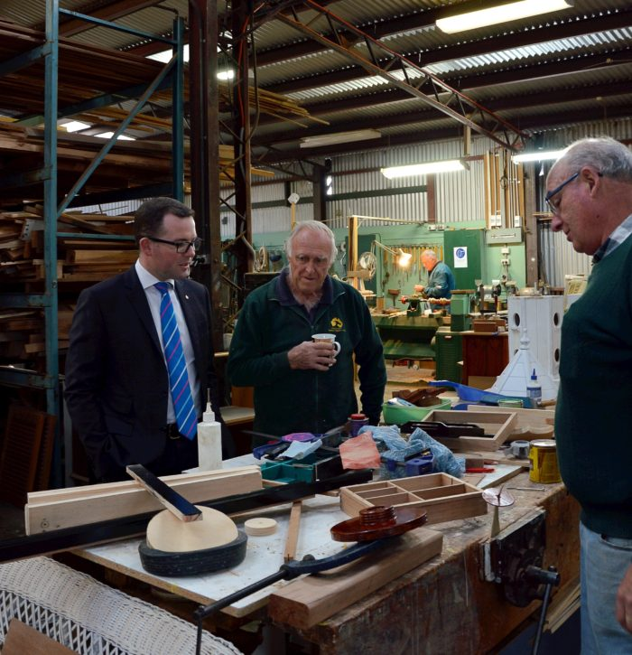 ARMIDALE MEN'S SHED FEELING SAFER WITH DEFIBRILLATOR FUNDING
