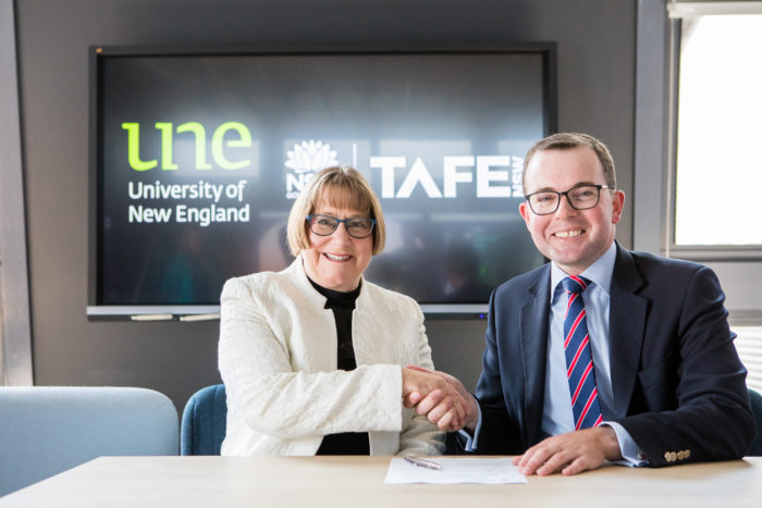 TAFE & UNE SIGN HISTORIC AGREEMENT TO COLLABORATE IN EDTECH SPACE