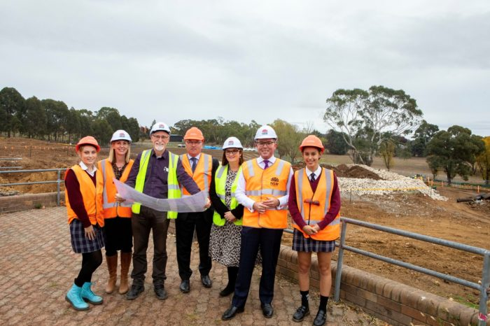 EDUCATION MINISTER INSPECTS NEW ARMIDALE COLLEGE CONSTRUCTION