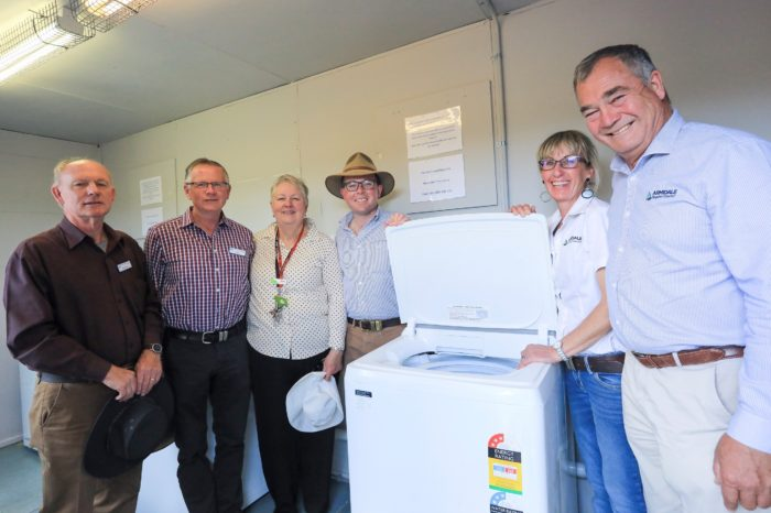 PORTABLE LAUNDRY ESTABLISHED FOR GUYRA'S DROUGHT-STRICKEN FARMERS