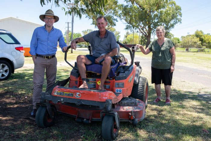 NEW LAWN MOWER TO SLASH WORK LOAD AT INVERELL SHOWGROUND