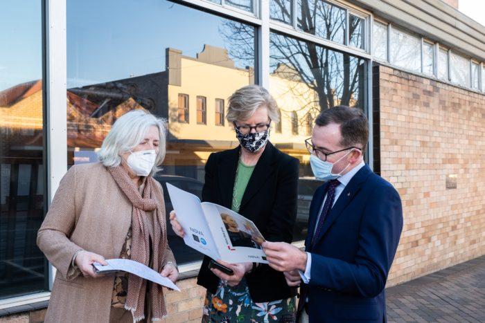 $800,000 SENDS NEW ENGLAND BUSINESS START-UP SUPER 'NOVA'