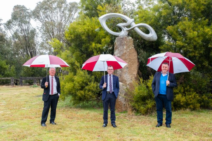 URALLA'S CONSTELLATIONS OF THE SOUTH SPARKLE WITH SUPPORT